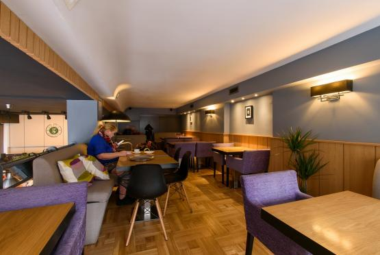 Green Deli Cafe - Бул. Александър Стамболойски 31 (3)