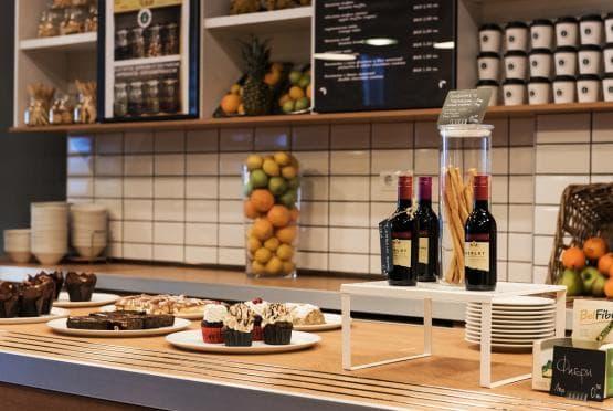 Green Deli Cafe - Полиграфия Офис Център (18)